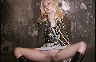 Babe საუკეთესო გეი პორნო ვიდეო უყვარს gargling, გარეთ.